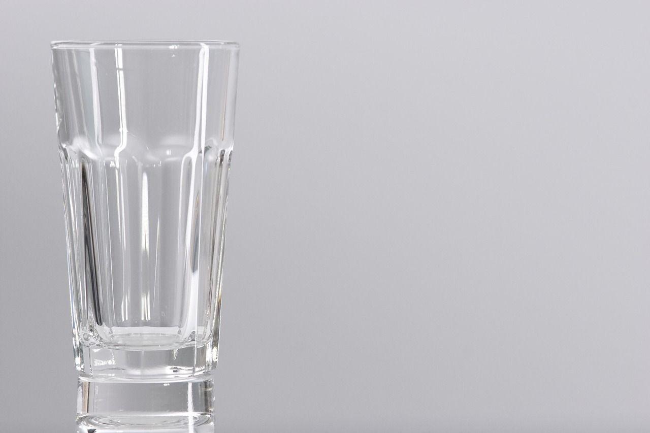 lifestyle-woda-szklanka
