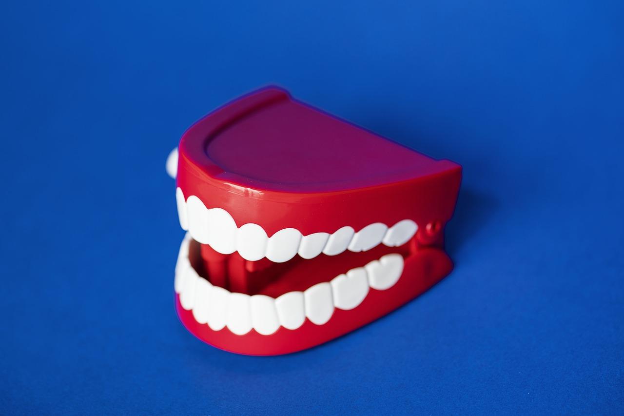 zęby-proteza-szczęka-zdrowie