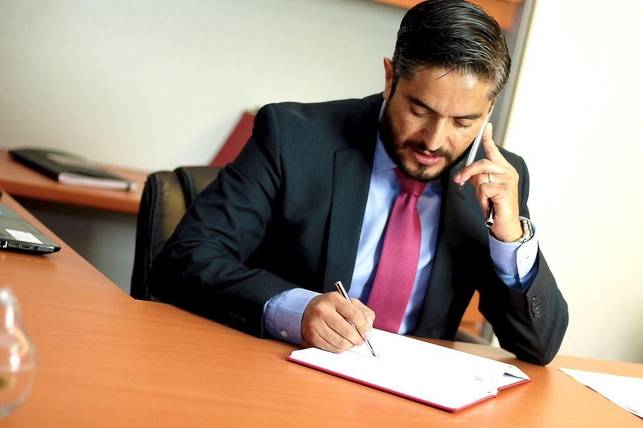 biznesmen-prawnik
