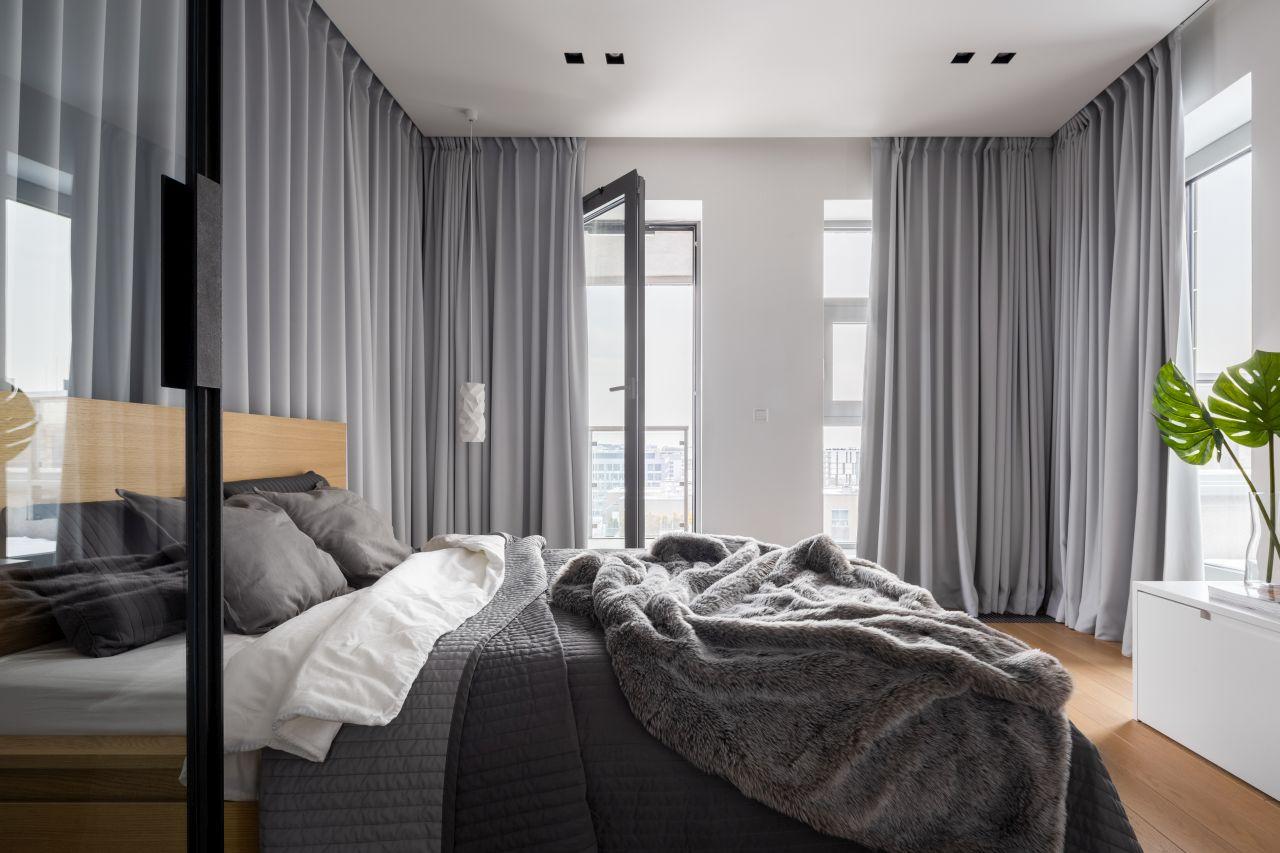 lozko-hotel-pokoj-sypialnia-posciel-zaslony