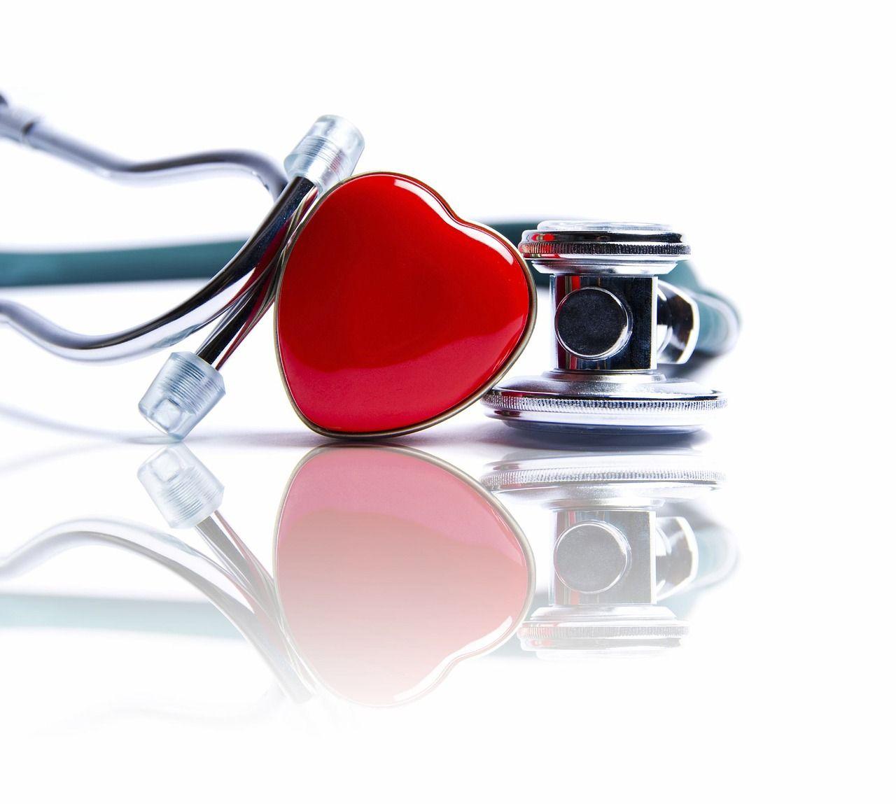 medycyna-serce-stetoskop