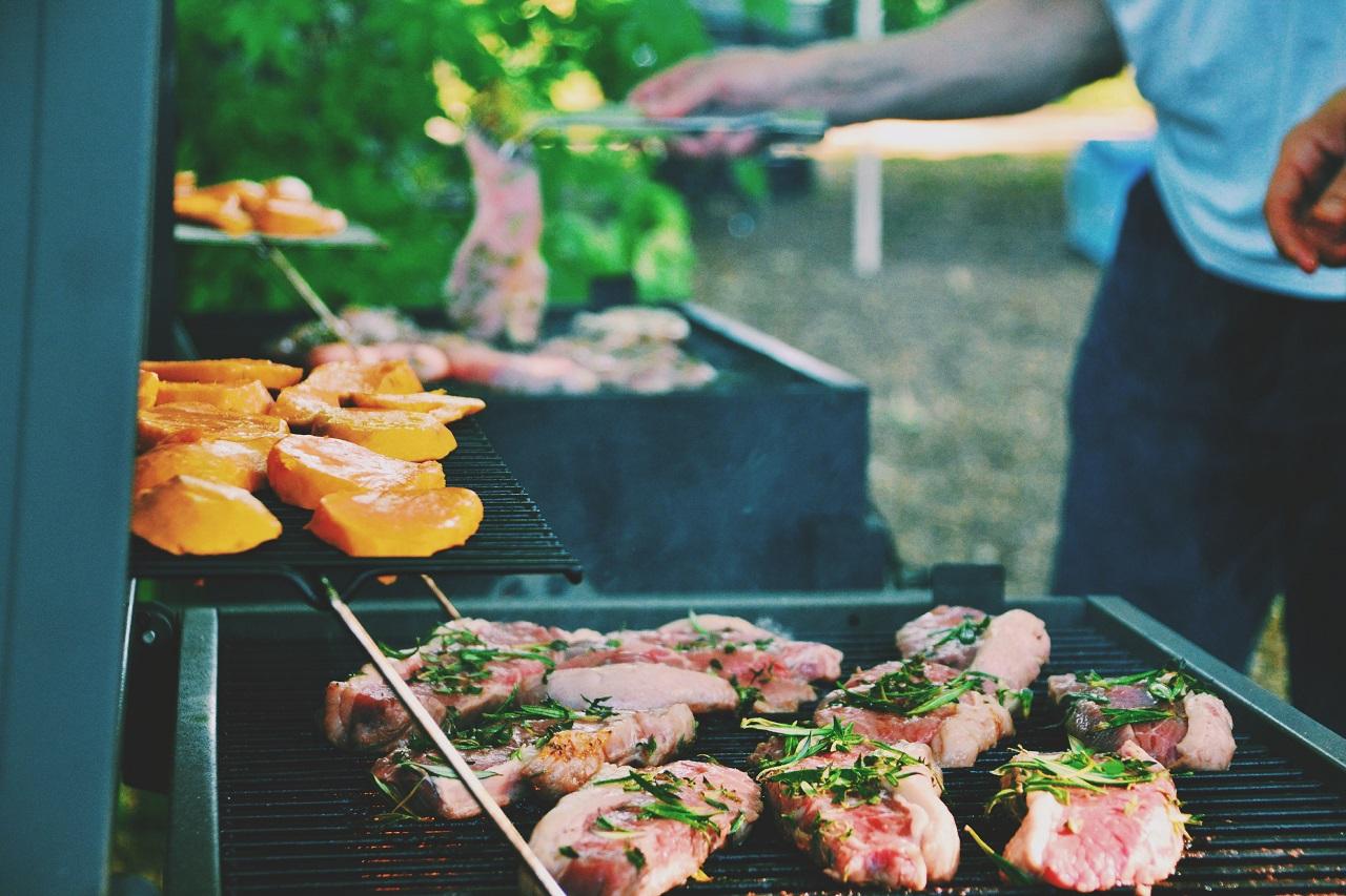 mieso-grill-grillowanie