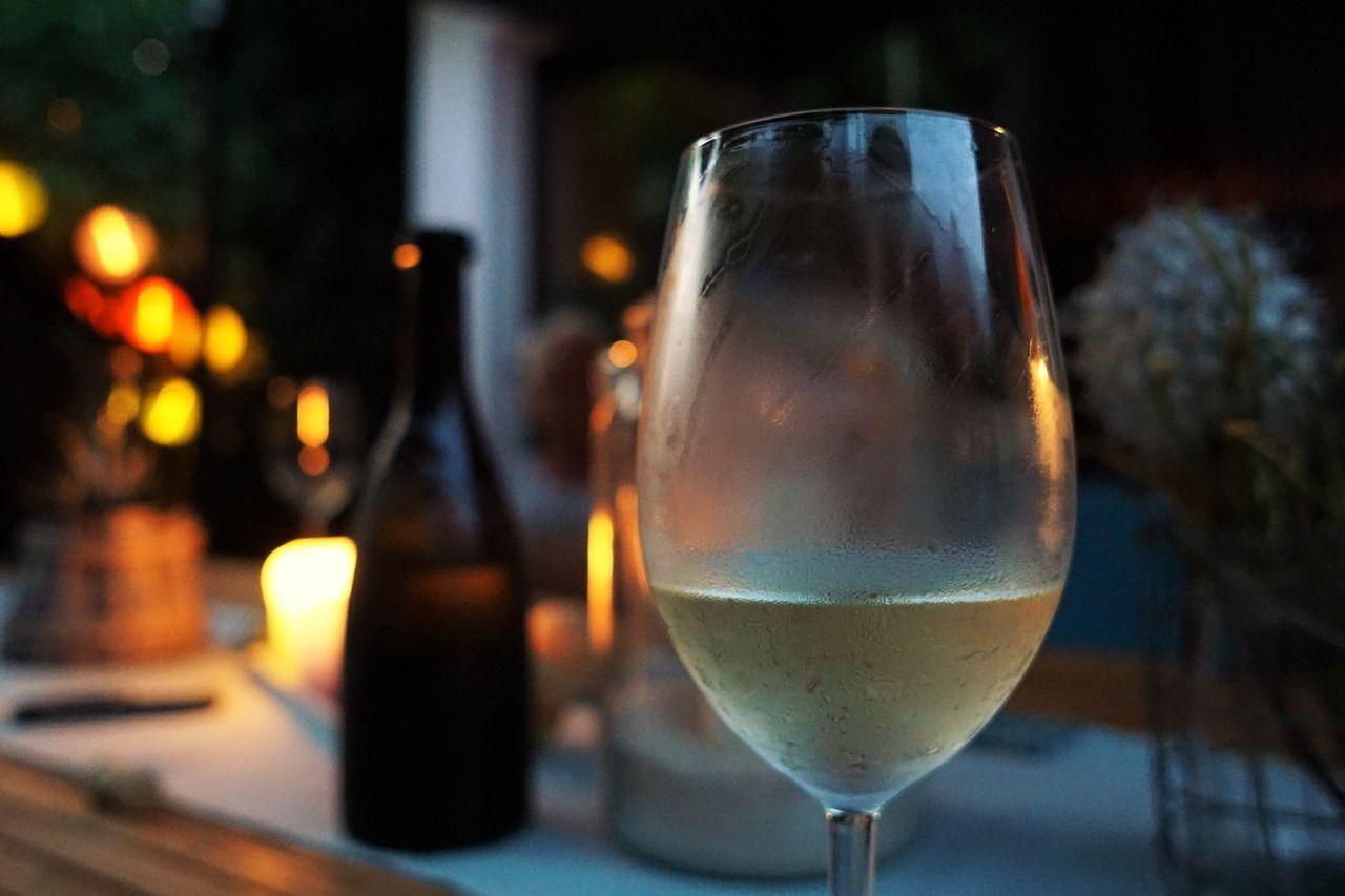 wino-kolacja-01
