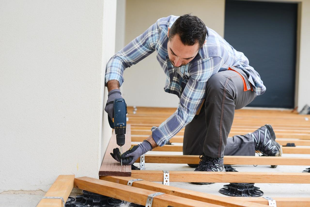 taras-deski-wkretarka-wiertarka-budowa